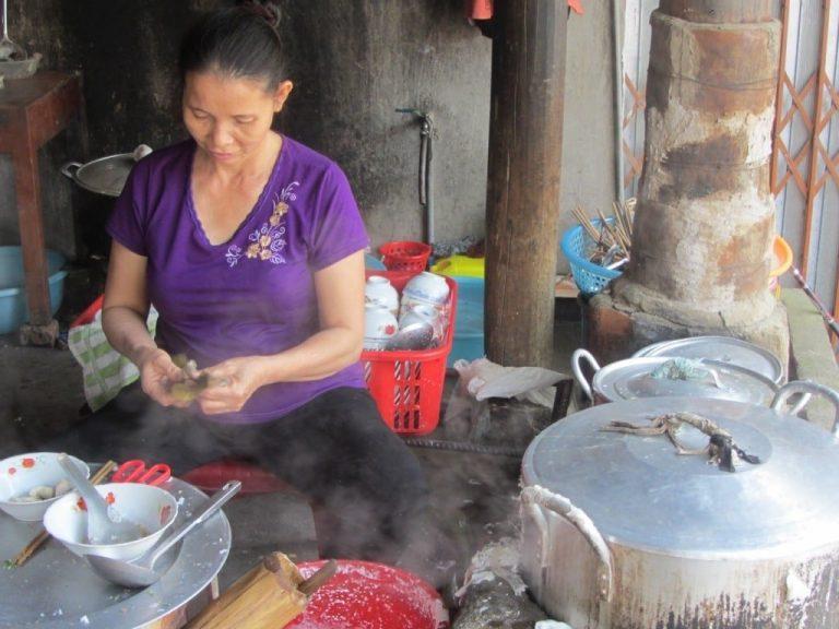 steamed rice flour rolls (bánh cuốn) - breakfast in Chợ Rã