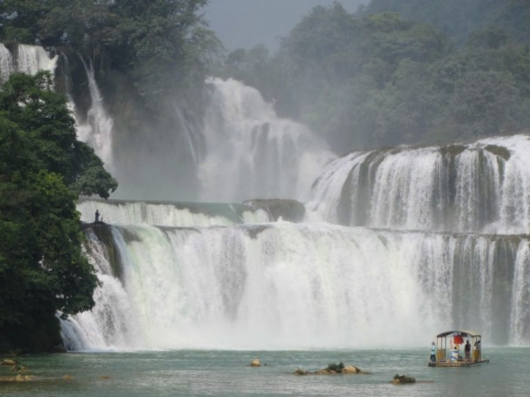 an impressive sight right on the Chinese border - Ban Gioc Waterfall