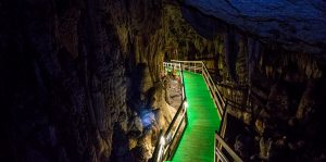 Lung Khuy Cave