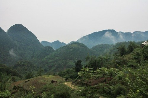 the mountains of Pu Luong on a misty day