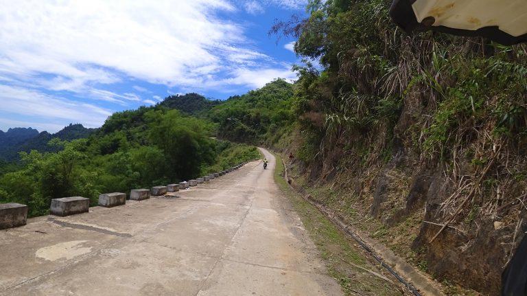 wee Mai Chau mountain pass