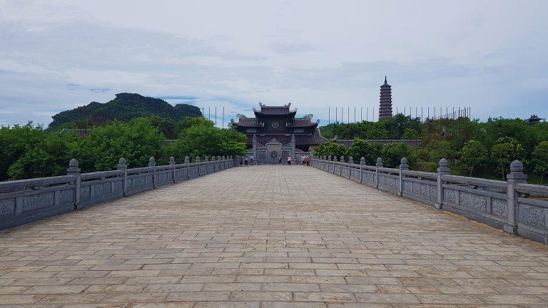 the gate to Ninh Binh's Bai Dinh Pagoda