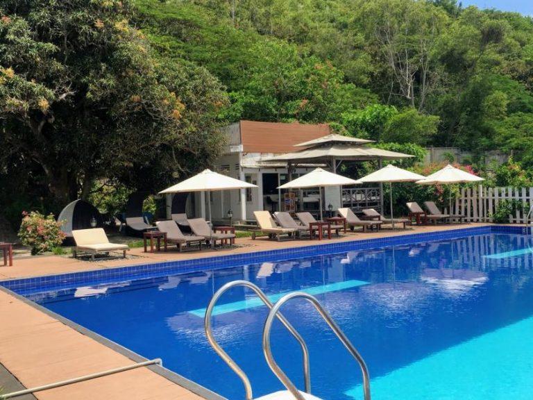 Léman Cap Resort & Spa hillside pool