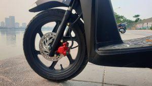 Honda Vision - front wheel