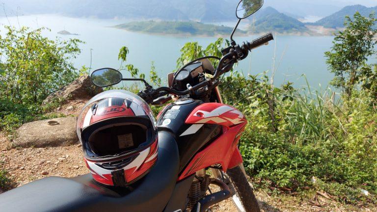 helmet on a Honda XR 150, on the Hoa Binh Lakeside Road