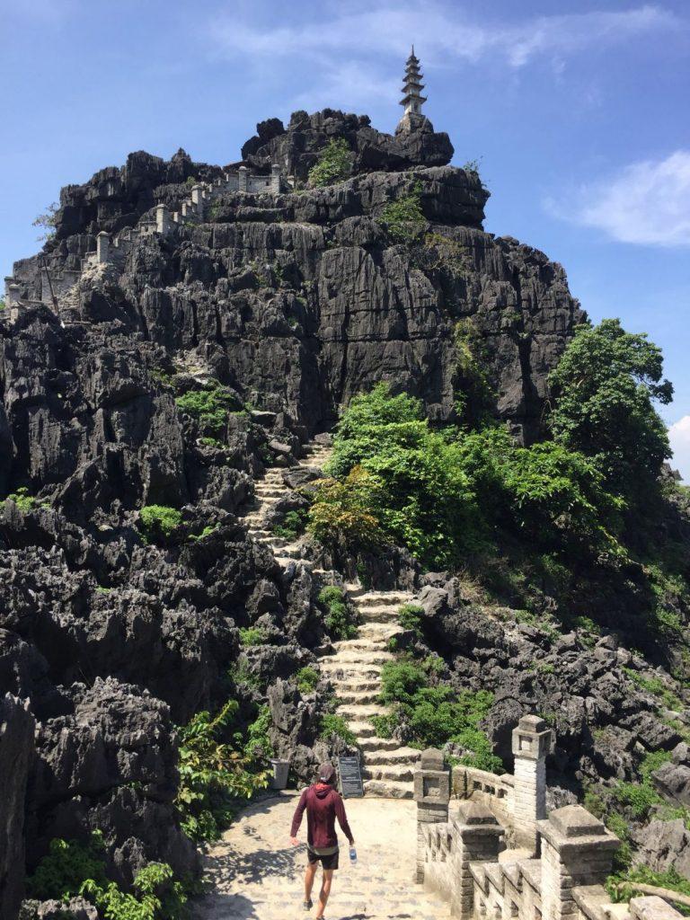 the steps up Hang Mua in Ninh Binh