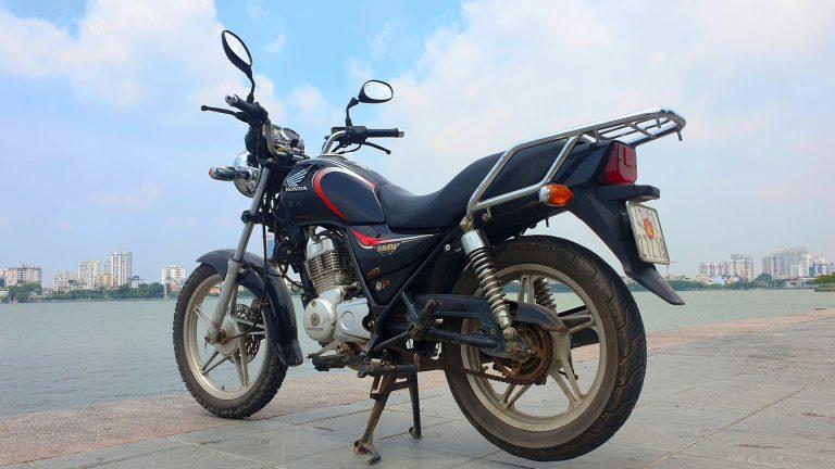 Honda-Master-125-back-left-angle.jpg